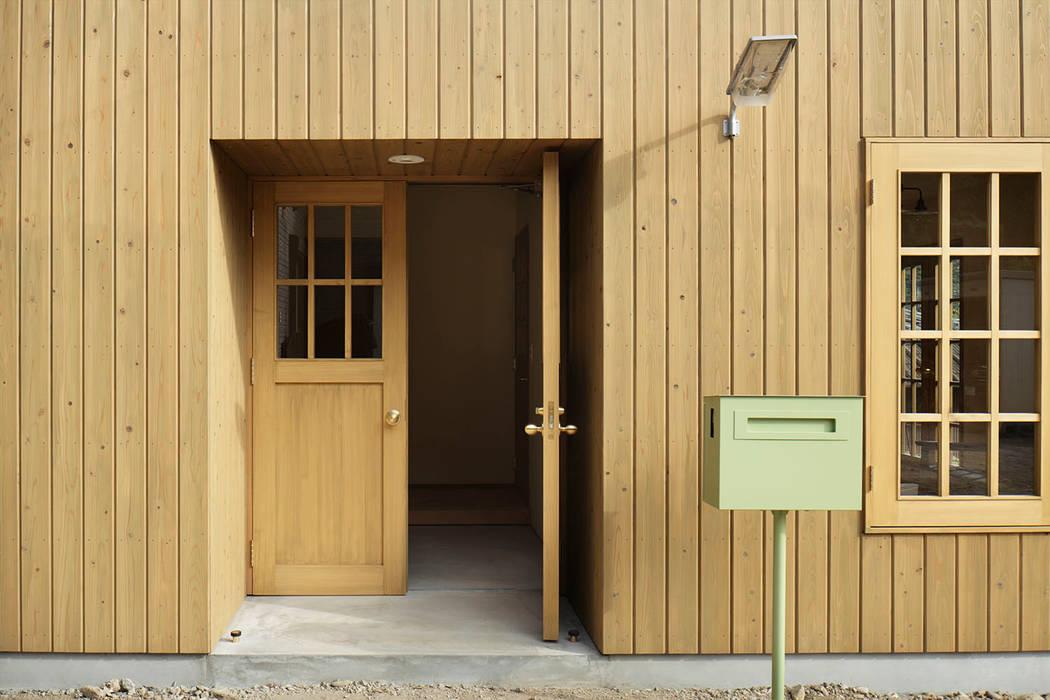 Koridor & Tangga Klasik Oleh 株式会社CAPD Klasik Kayu Wood effect