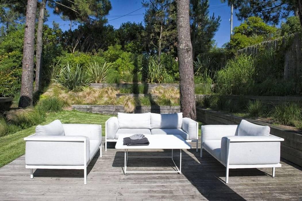 Garden by NL-PAYSAGE- PAYSAGISTE DPLG, Modern