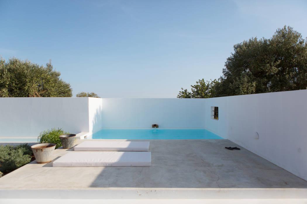 Hồ bơi phong cách Địa Trung Hải bởi atelier Rua - Arquitectos Địa Trung Hải