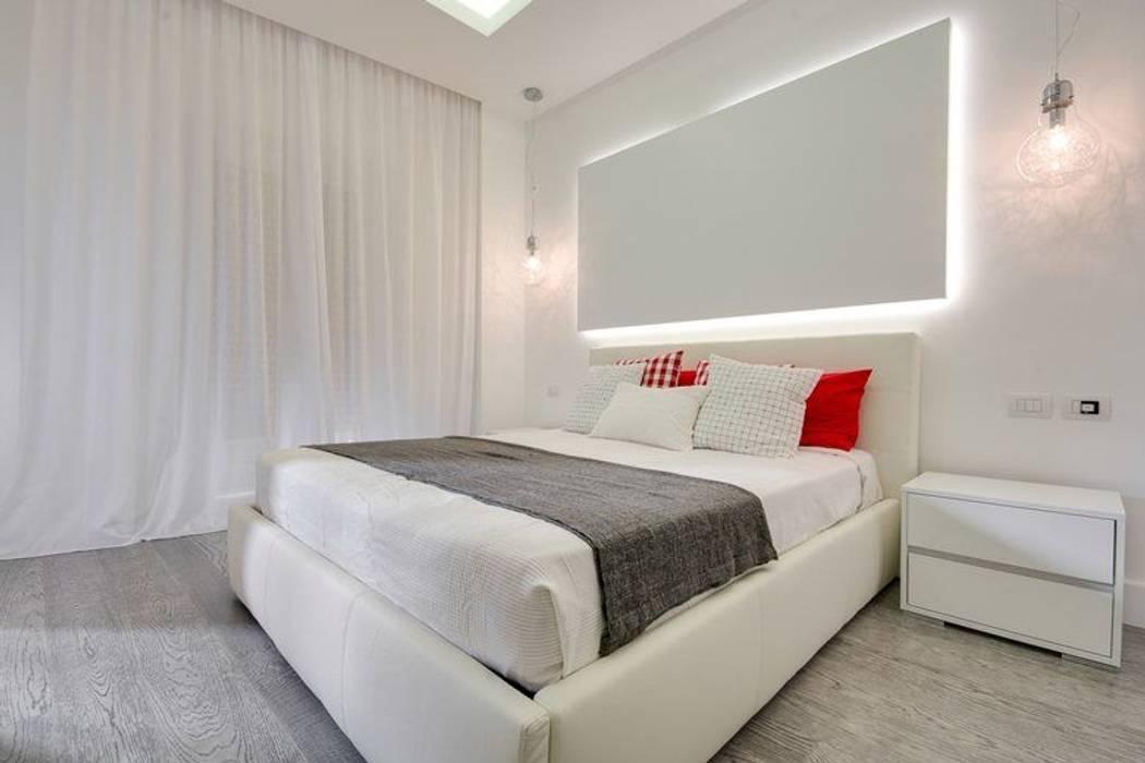 ห้องนอน โดย SERENA ROMANO' ARCHITETTO, โมเดิร์น