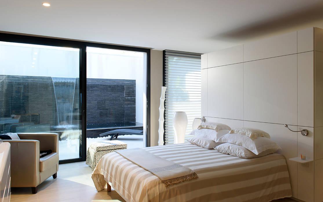 Спальни в . Автор – frederique Legon Pyra architecte, Модерн