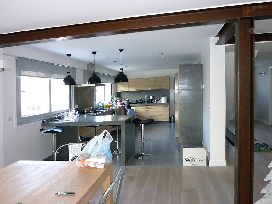 Modern kitchen by Olivier Stadler Architecte Modern Wood Wood effect