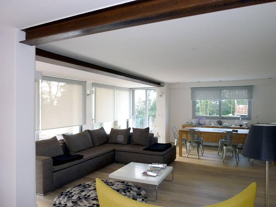 Modern living room by Olivier Stadler Architecte Modern