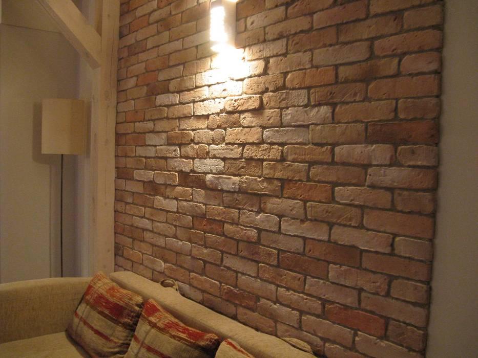Rustikale Wohnzimmer von ITA Poland s.c. Rustikal