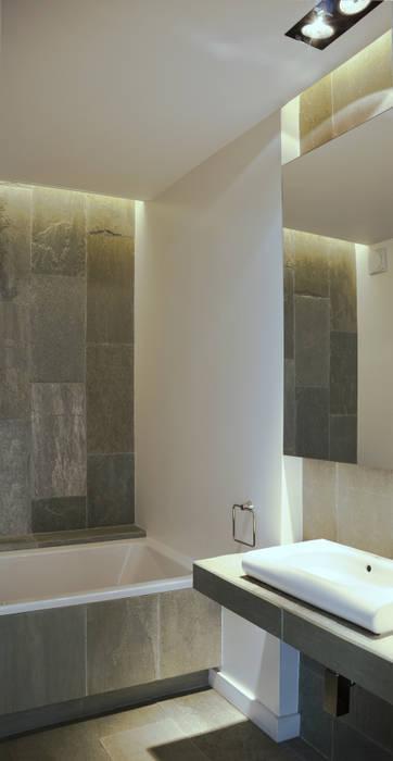 Modern style bathrooms by PAWEL LIS ARCHITEKCI Modern Slate