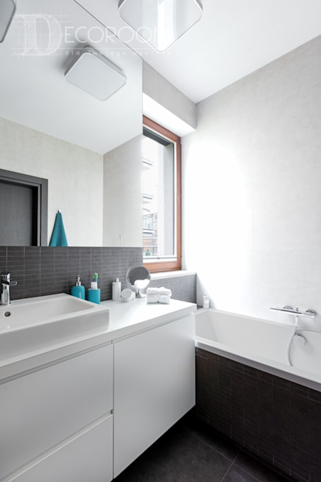 浴室 by Decoroom, 現代風