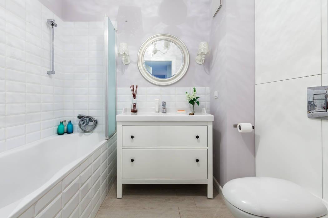 Bathroom by Decoroom, Classic