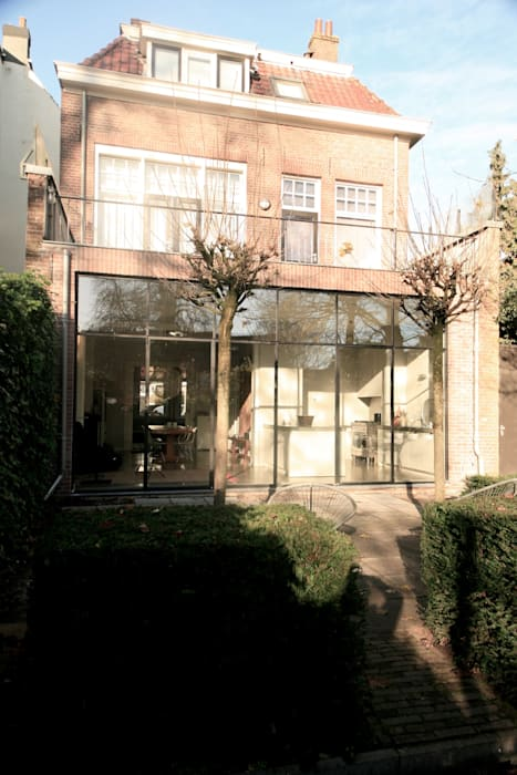 Casas de estilo  por ddp-architectuur, Minimalista Metal