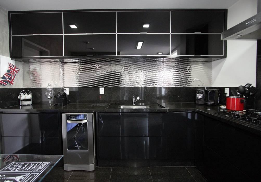 Cozinha Industrial-Moderna: Cozinhas  por Tejo Arquitetura & Design,