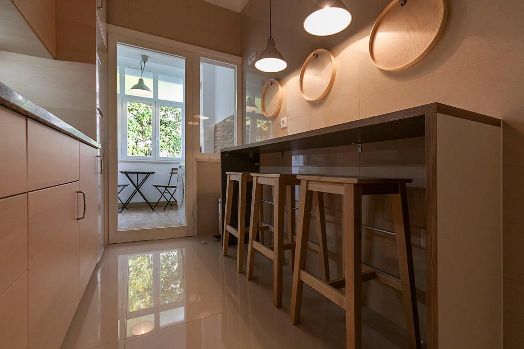 minimalist  by Staging Factory, Minimalist Aluminium/Zinc