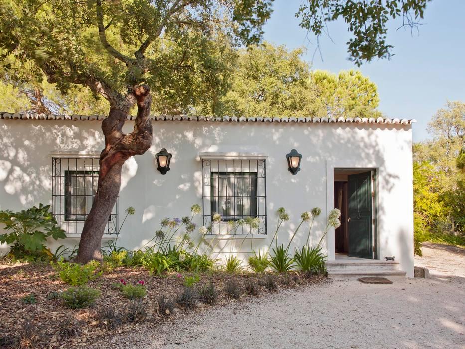 MY COTTAGE FOR A HORSE Casas campestres por SA&V - SAARANHA&VASCONCELOS Campestre