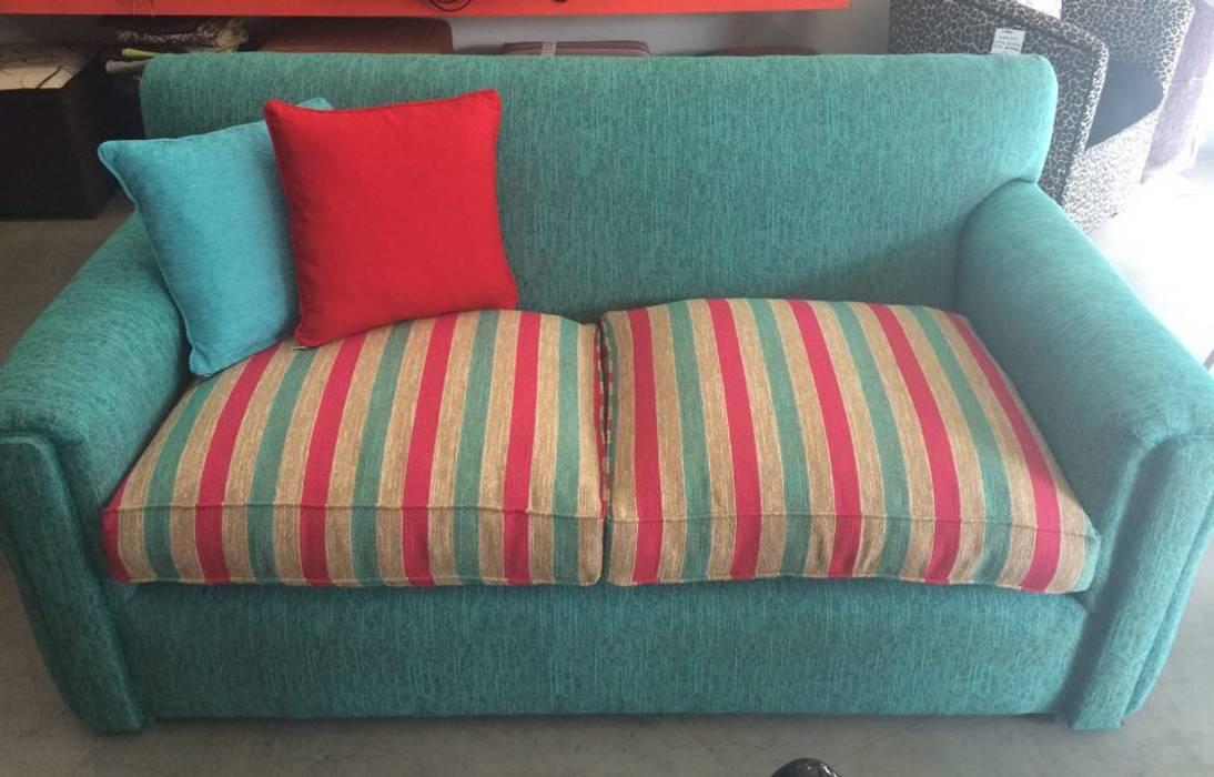 Sofá Titus combinado de Del Pilar Design Moderno Textil Ámbar/Dorado