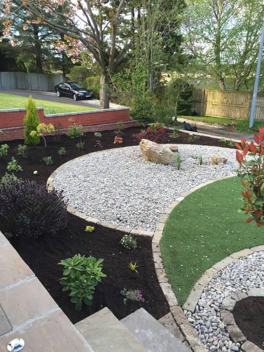 A Yin Yang Garden Minimalist style garden by Anne Macfie Garden Design Minimalist