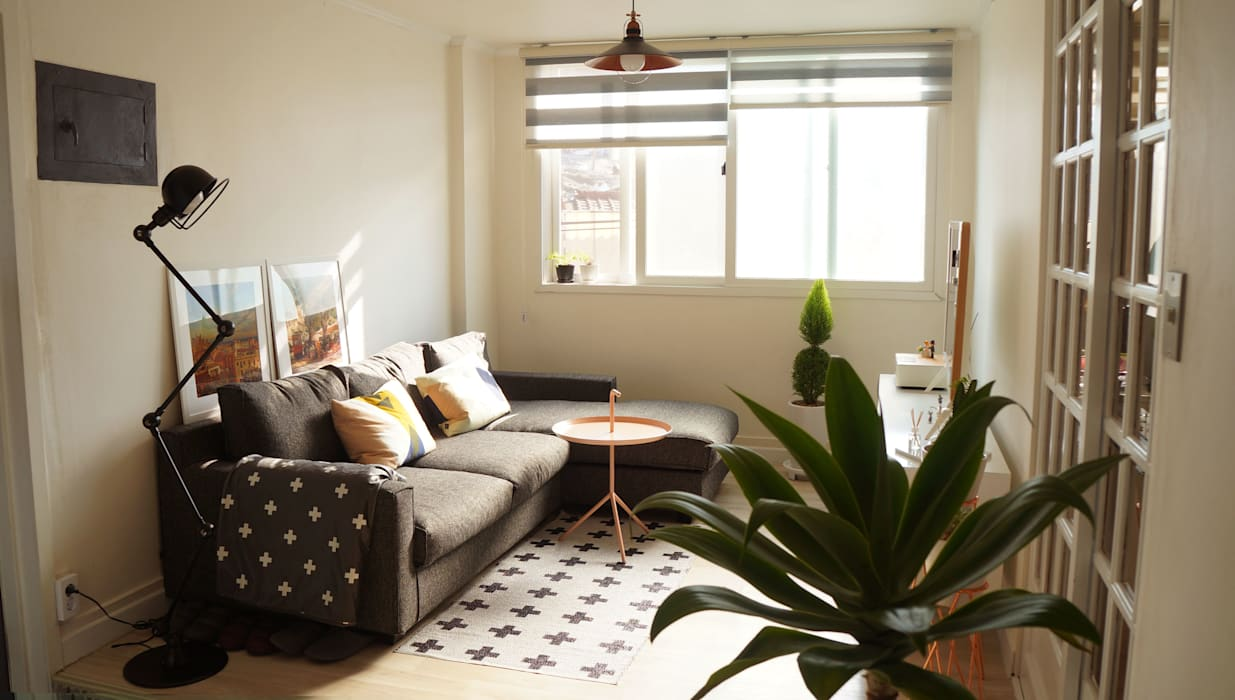 Scandinavian style living room by toki Scandinavian