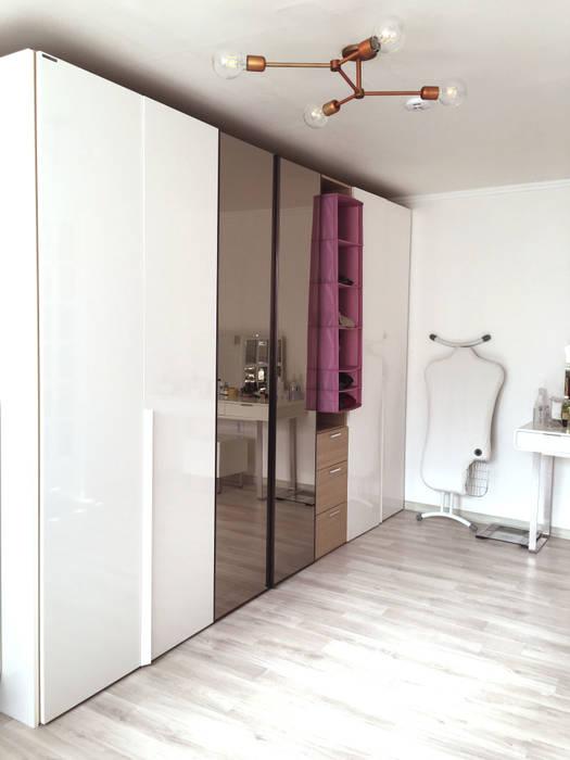 Dormitorios de estilo escandinavo de toki Escandinavo