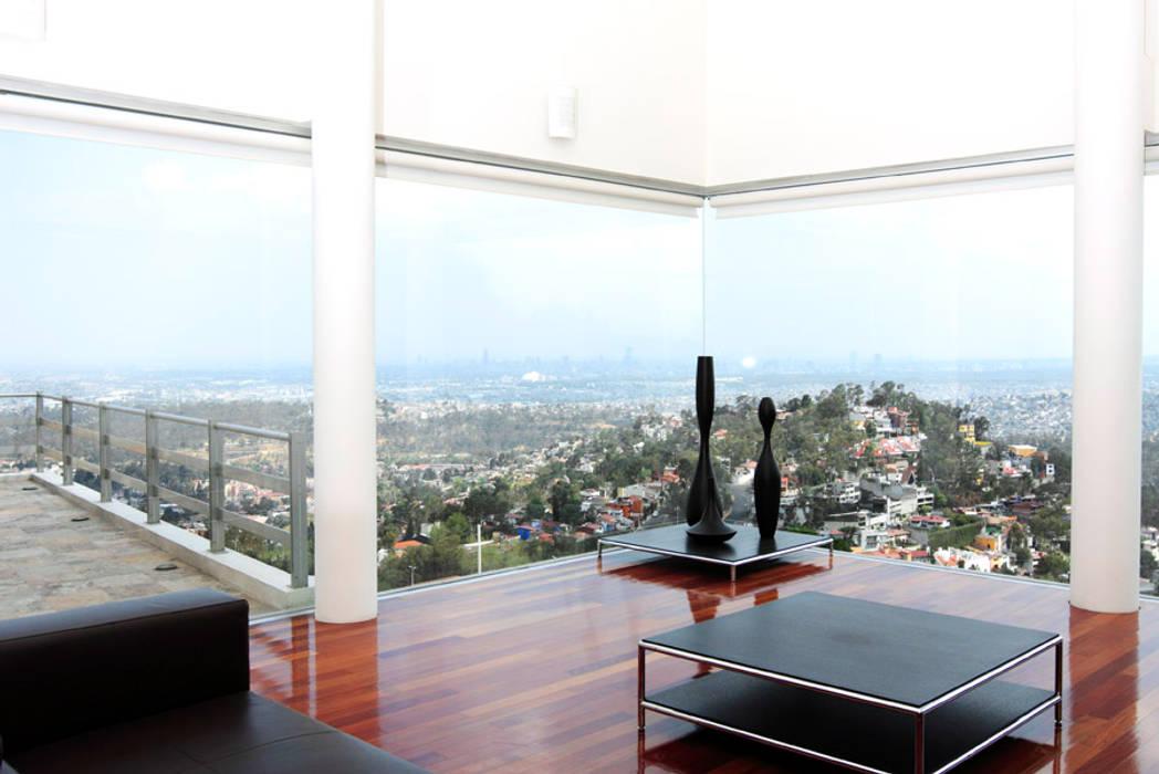 Balkon, Beranda & Teras Modern Oleh alexandro velázquez Modern