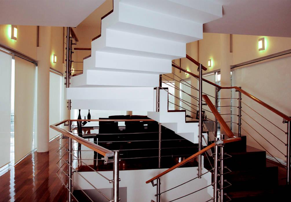 Koridor dan lorong oleh alexandro velázquez, Modern