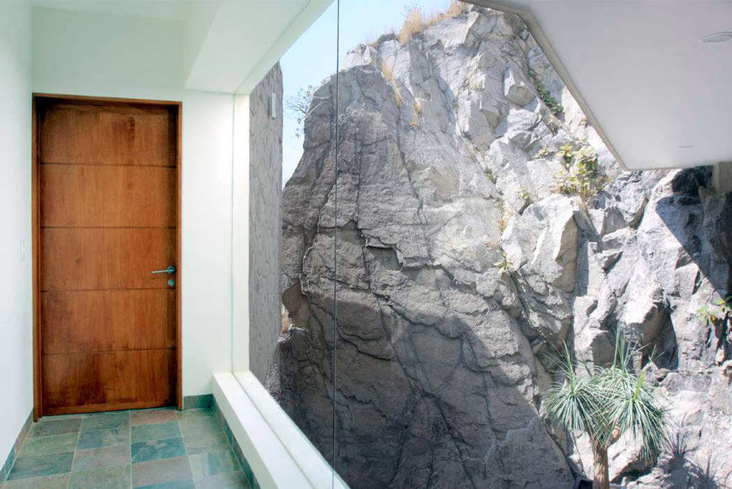 Jendela oleh alexandro velázquez, Modern