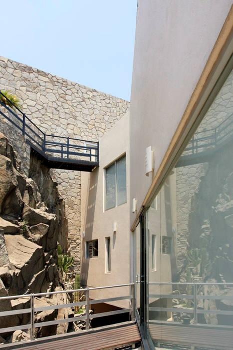 Pasillos y hall de entrada de estilo  por alexandro velázquez,