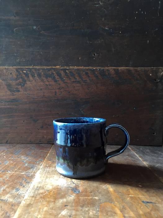 ルリ釉マグカップ: 河内啓が手掛けた折衷的なです。,オリジナル 陶器