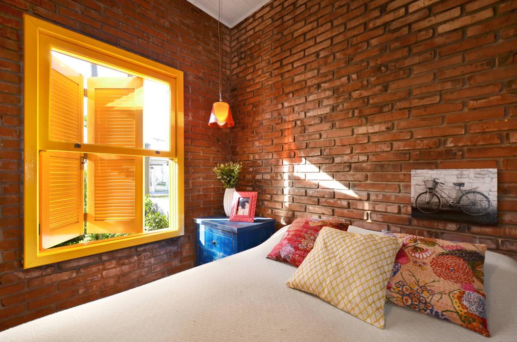 Dormitorios de estilo  por Arquitetando ideias , Tropical