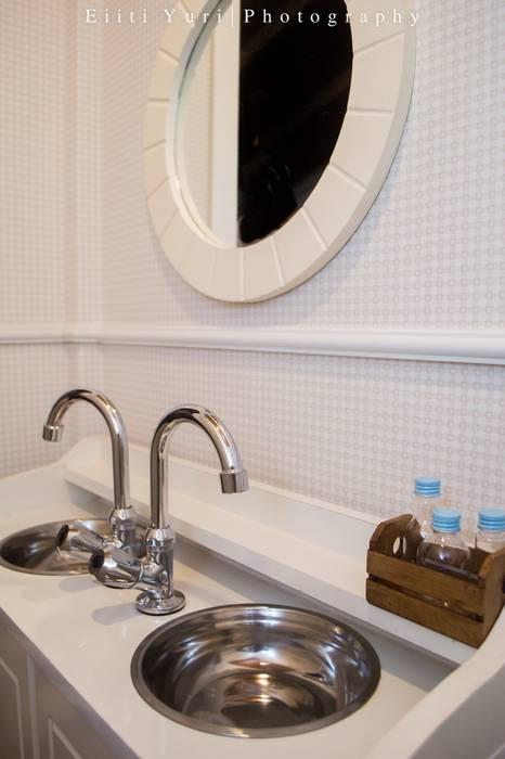 Bathroom by Fernanda Seabra Designer