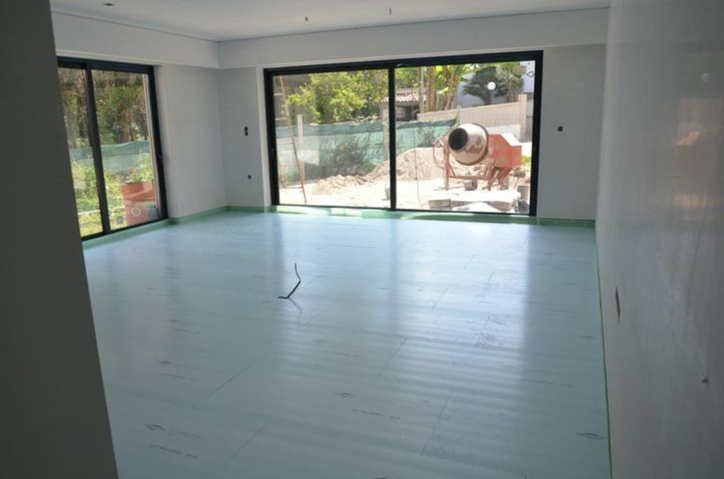 (1) Underfloor heating/ piso radiante: Paredes  por Dynamic444