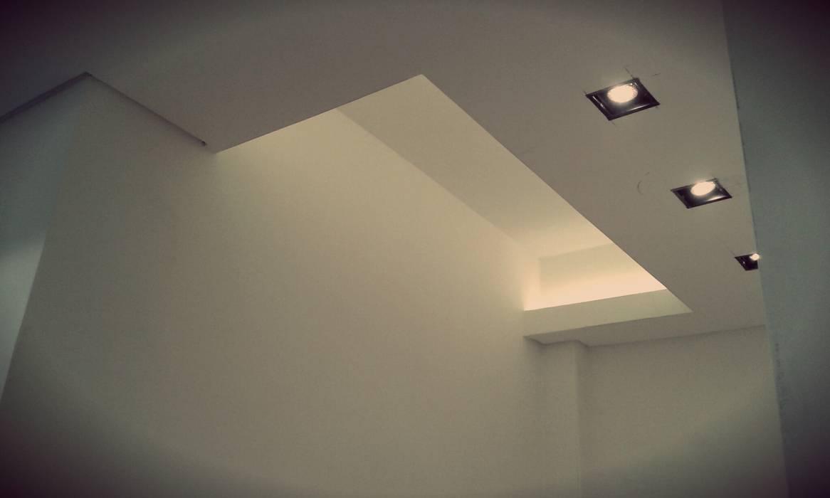 CIELORRASOS - PASOS Pasillos, vestíbulos y escaleras modernos de ARQ DANIEL CARRIZO Moderno