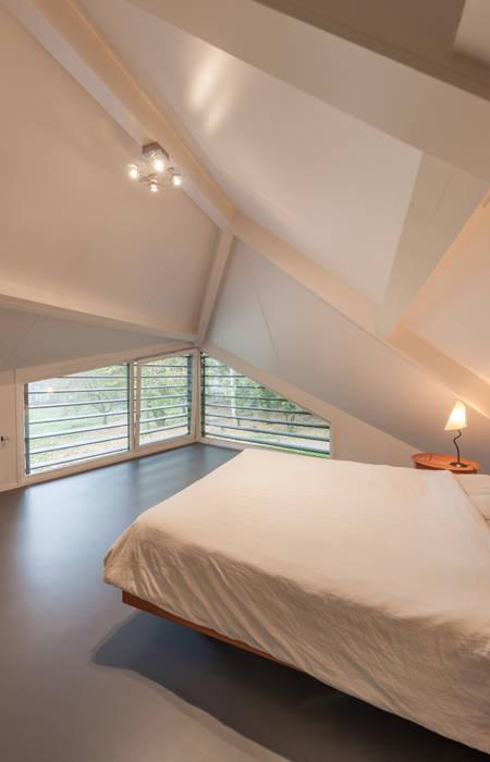 WOONHUIS HOLTEN Maas Architecten Moderne slaapkamers
