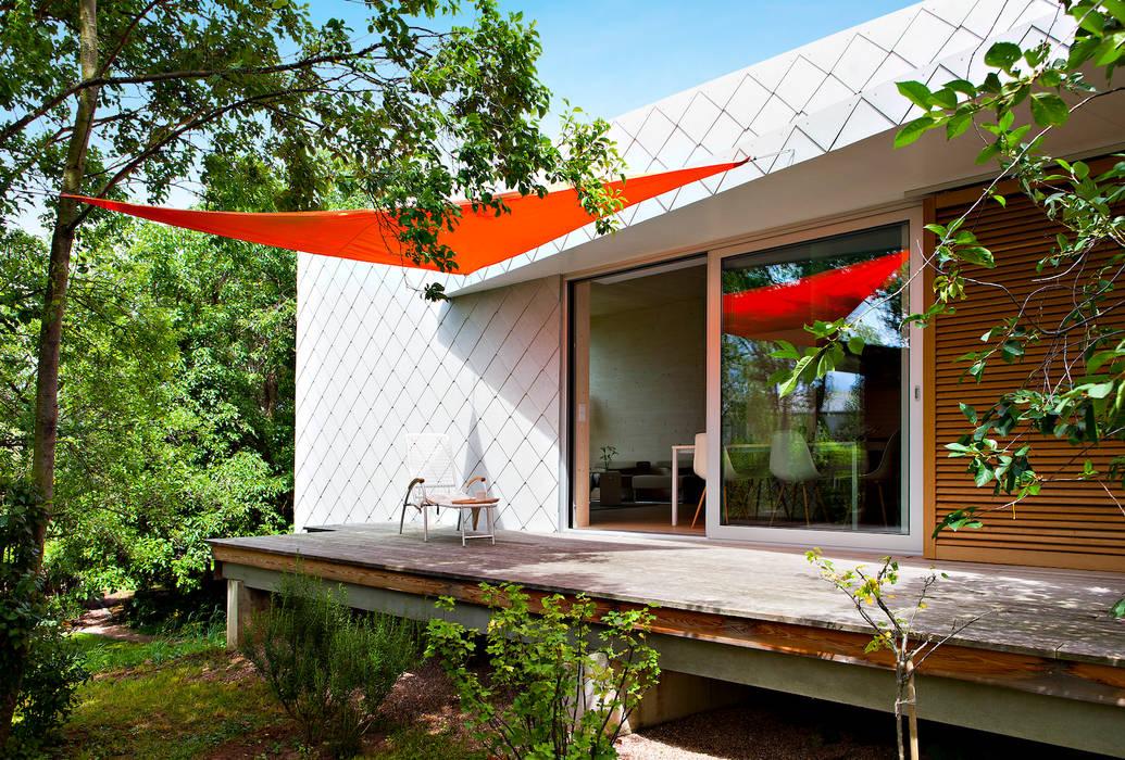 Livingtube DANKE Architekten Moderner Balkon, Veranda & Terrasse