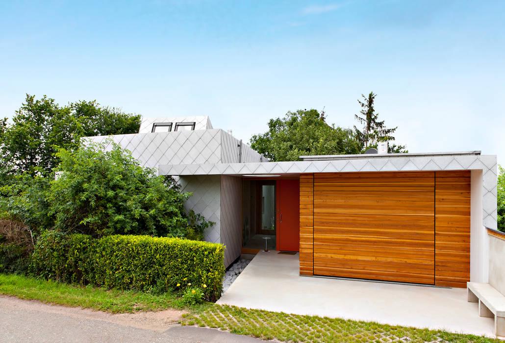 Livingtube Moderne Fenster & Türen von DANKE Architekten Modern