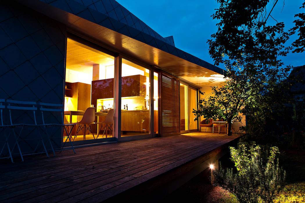 Patios & Decks by DANKE Architekten,