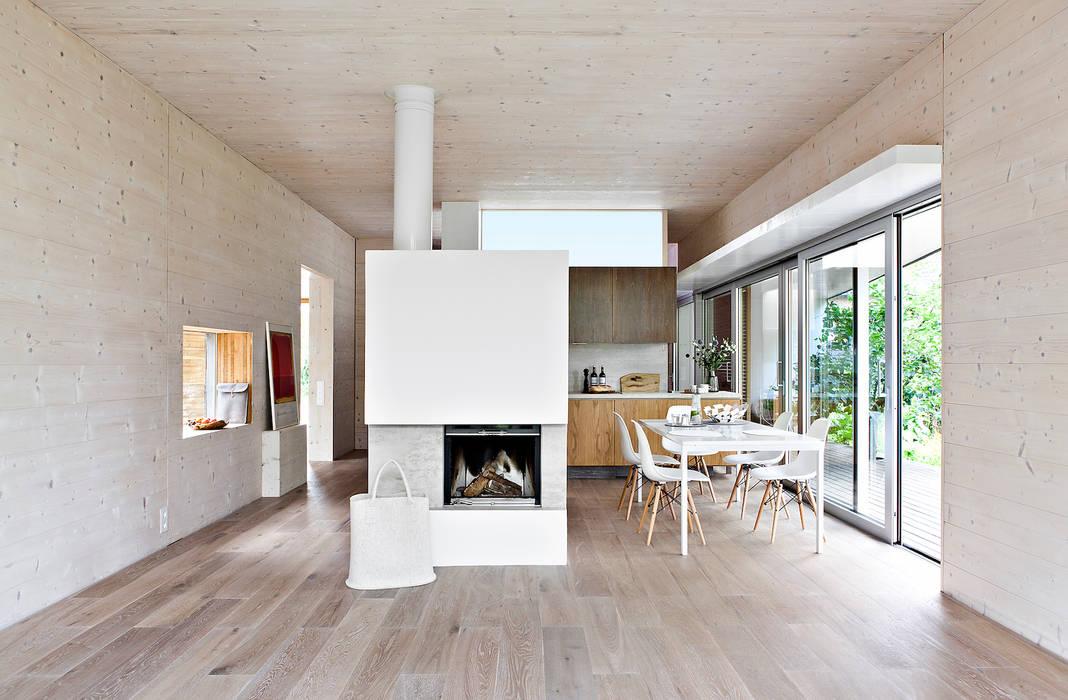 Livingtube DANKE Architekten Moderne Esszimmer