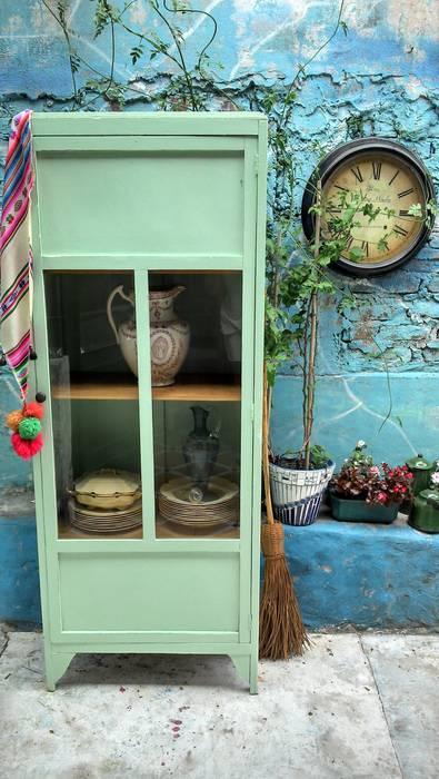 de style  par Muebles eran los de antes - Buenos Aires, Rustique Bois massif Multicolore