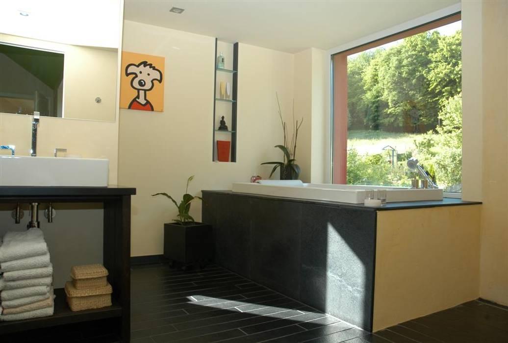 Modern Bathroom by Noesser Padberg Architekten GmbH Modern
