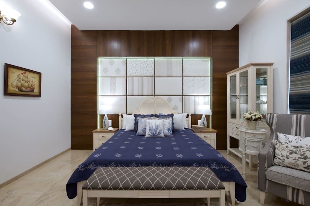 The Hills: eclectic Bedroom by Studio A