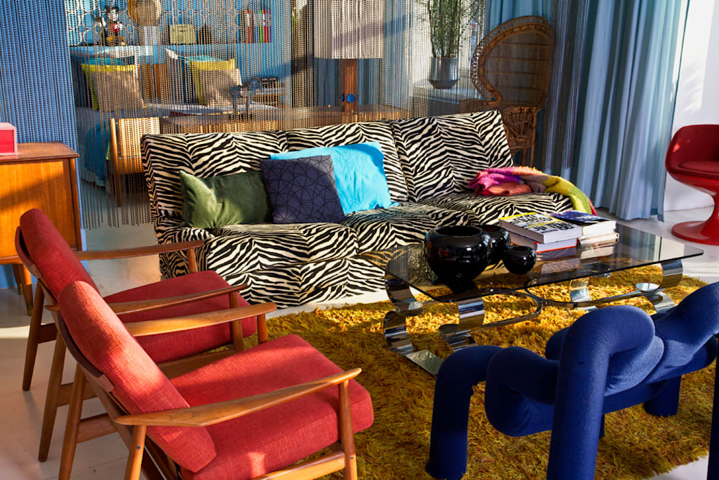 Außergewöhnliche Sitzecke im Retro-Style Baltic Design Shop Ausgefallene Wohnzimmer Mehrfarbig
