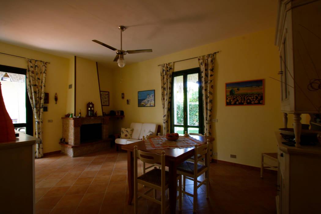 living: Soggiorno in stile in stile Mediterraneo di DL interior design