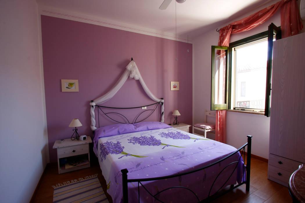 Camera degli ospiti: Camera da letto in stile in stile Mediterraneo di DL interior design