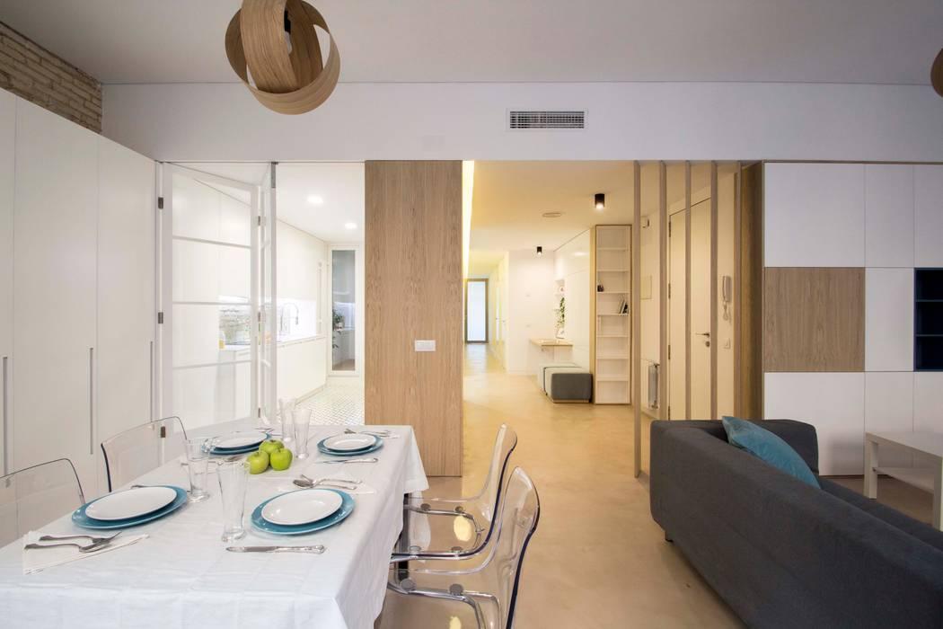 REFORMA DE VIVIENDA EN CALLE BURRIANA (VALENCIA) Comedores de estilo minimalista de DonateCaballero Arquitectos Minimalista