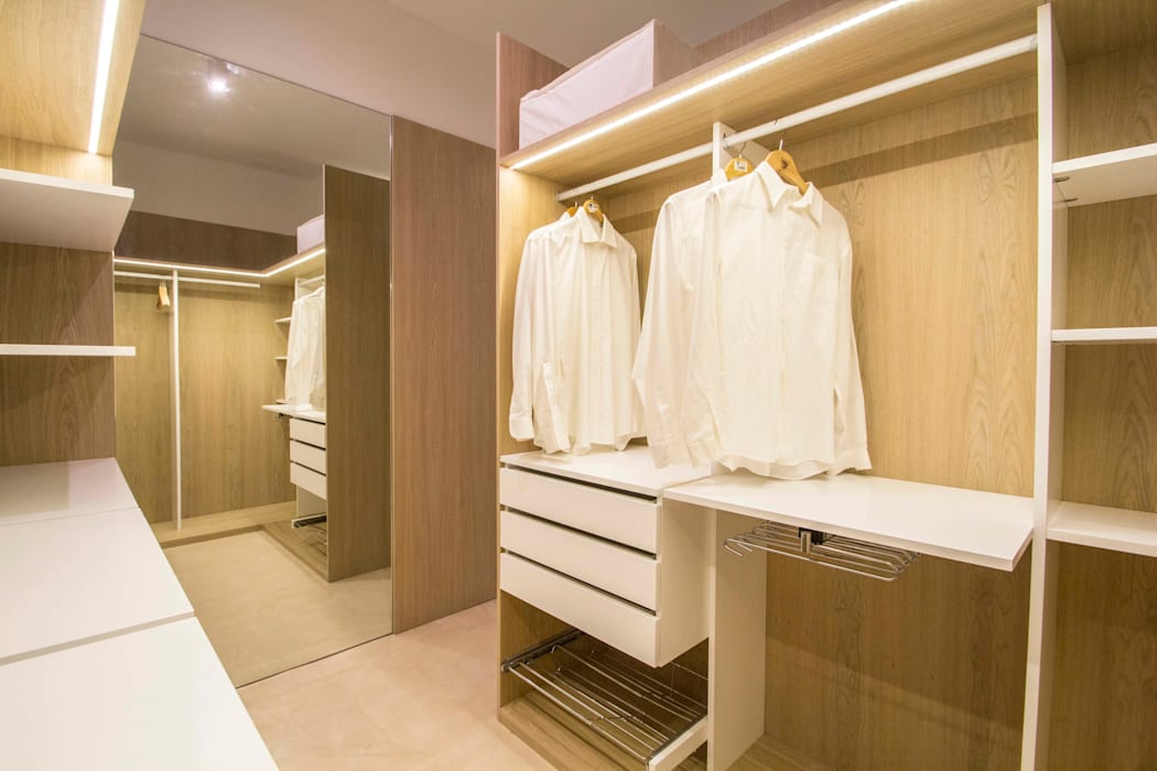 Closets de estilo  por DonateCaballero Arquitectos,
