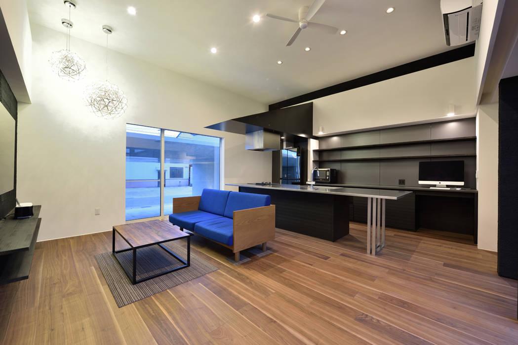 Salas de estilo ecléctico de Egawa Architectural Studio Ecléctico