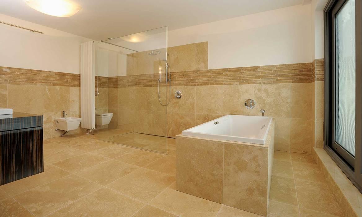 Badezimmer aus naturstein skandinavische badezimmer von ...
