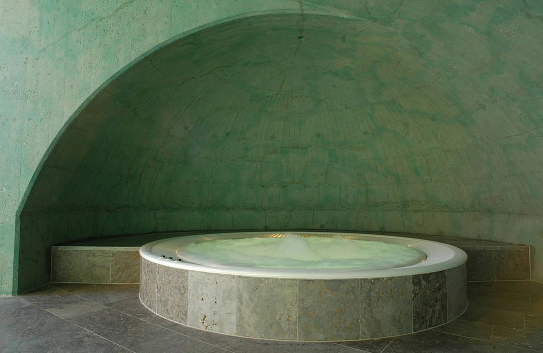 Pool by em Architekten GmbH, Country