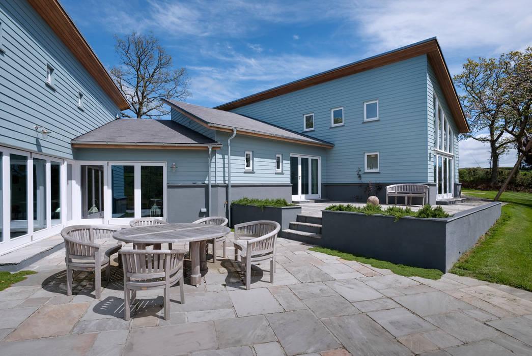 Hedgerows Balcones y terrazas de estilo moderno de Trewin Design Architects Moderno