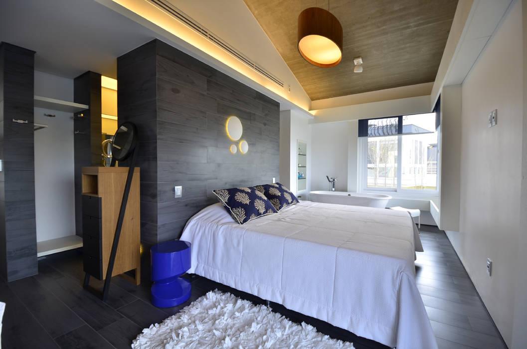 Moderne Schlafzimmer von HECHER YLLANA ARQUITETOS Modern