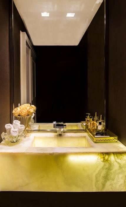 Baños de estilo  por Valdete Duarte,