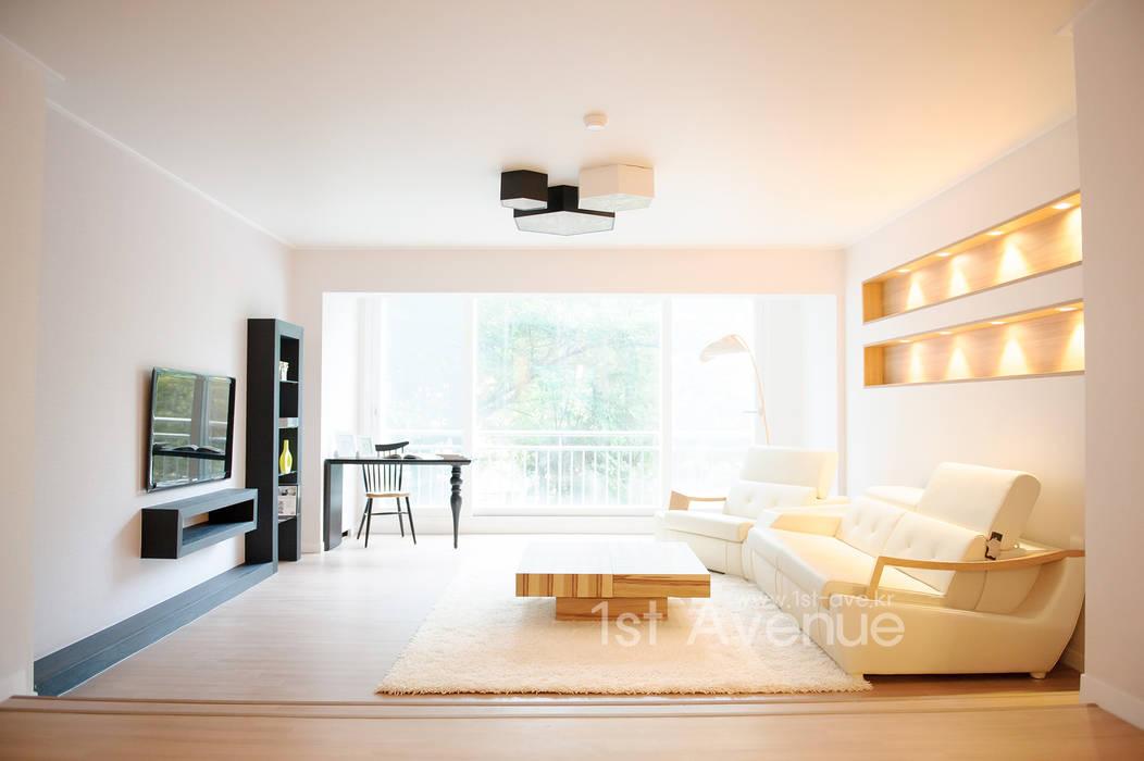 따뜻함이 가득한 홈카페 인테리어 모던스타일 거실 by 퍼스트애비뉴 모던