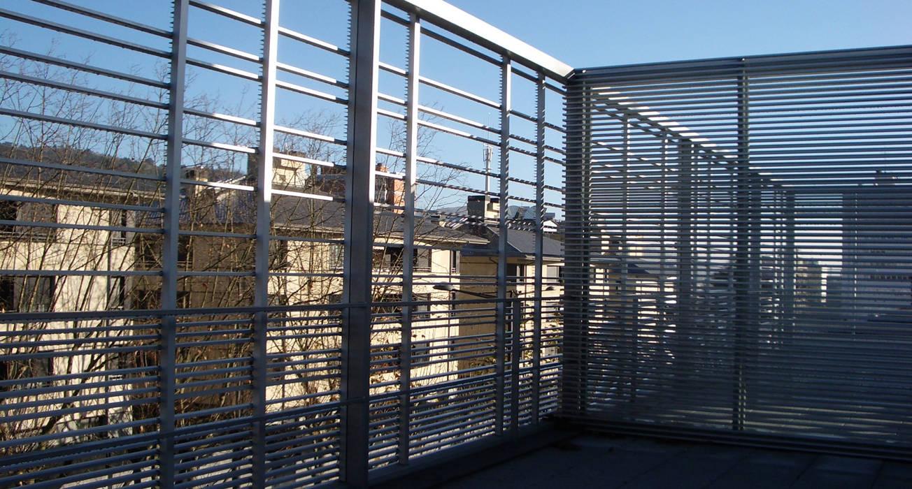 Modern Terrace by asieracuriola arquitectos en San Sebastian Modern Aluminium/Zinc