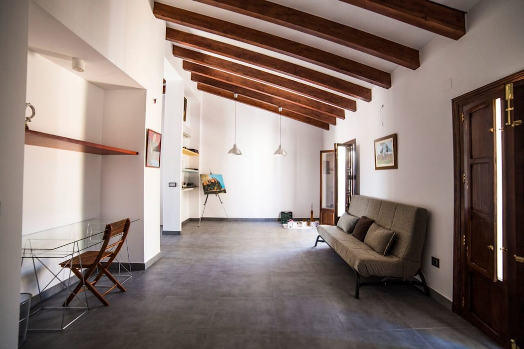 Casa Jaume I Salones de estilo clásico de R22 ARQUITECTES. Pere Joan Pons Clásico